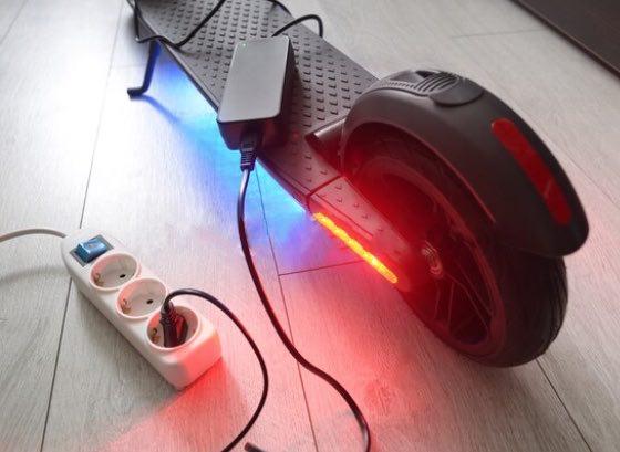 chargeur electrique trottinettte active energy